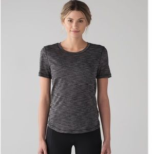 new lululemon Long Distance short sleeve Size 4